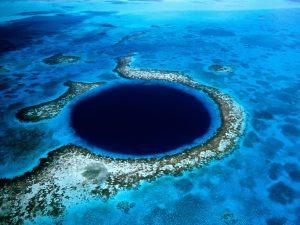 Lubang Biru di Bahama